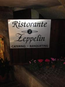 Zeppelin Sign
