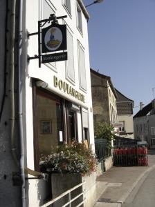 Essoyes - Street scene with Boulangerie