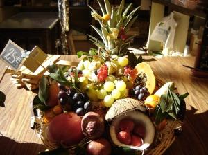 Troyes - Las Halles - market fruit basket