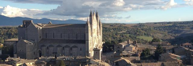 orvieto-cropped-duomo-from-clock-tower3.jpg