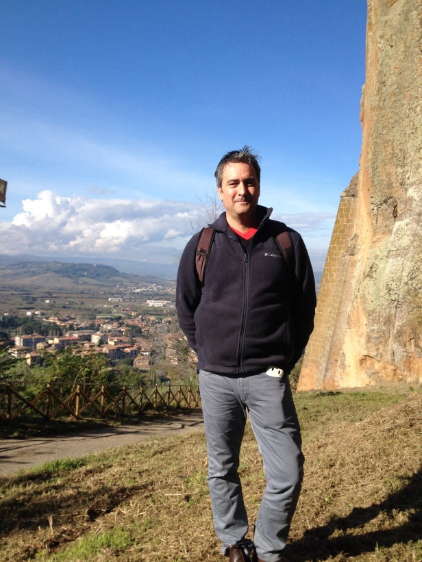 Orvieto - Justen with backdrop of cliff